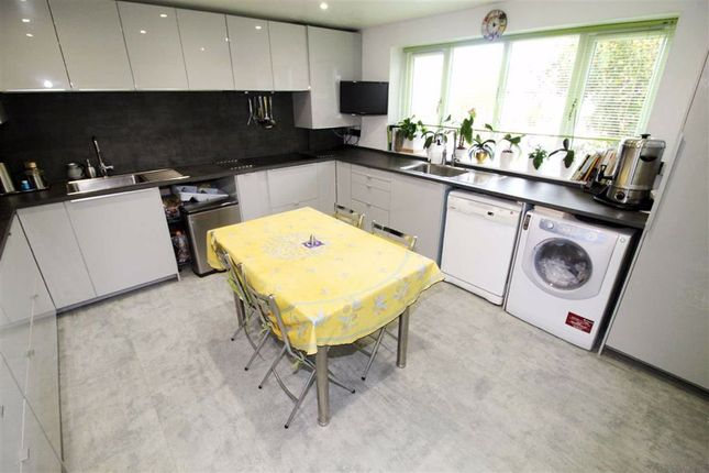 Eat In Kitchen of Oakwell Drive, Salford, Salford M7