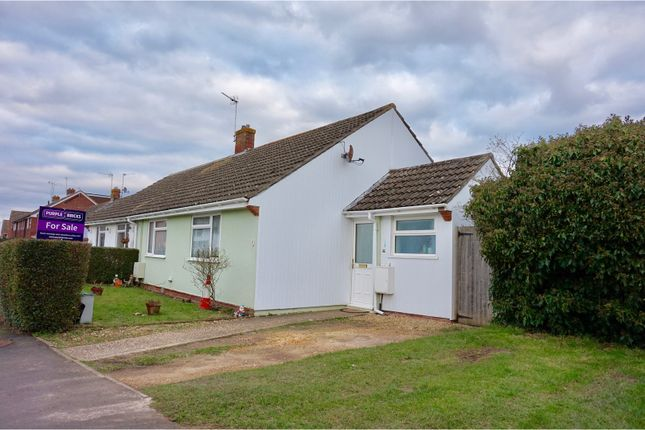 Thumbnail Bungalow for sale in Bow Drive, Hook