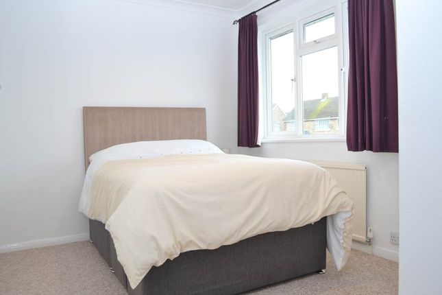Thumbnail Room to rent in 28 Cresswell Road, Newbury, Berkshire