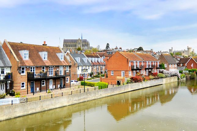 Thumbnail Town house for sale in Wheelwrights Close, Arundel