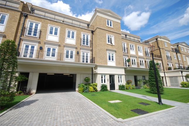 Thumbnail Flat to rent in Repton Court, Willoughby Lane, Bromley, Kent