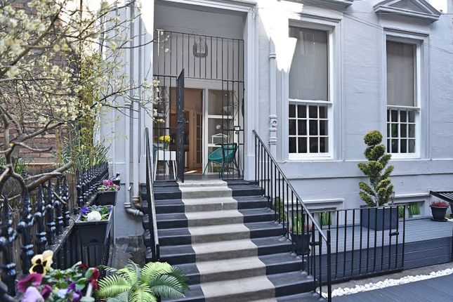 Thumbnail Town house for sale in Albany Mews, Sauchiehall Street, City Centre