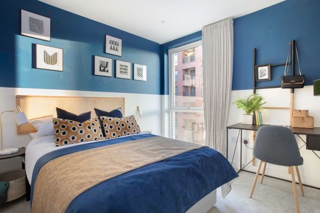 Flat for sale in Lismore Boulevard, London