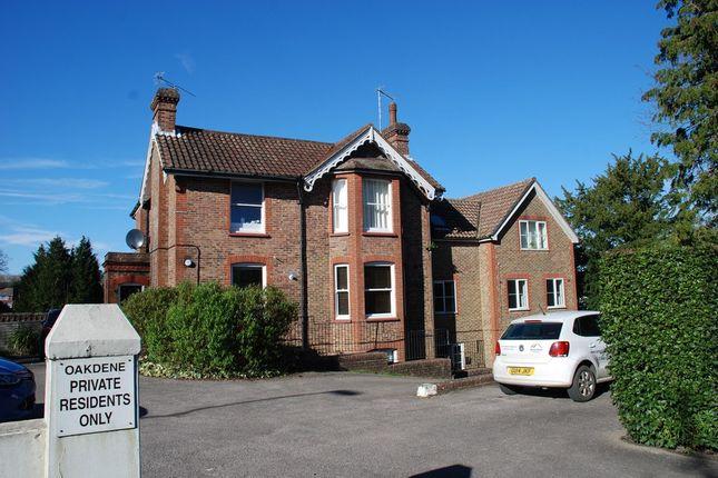 Thumbnail Flat to rent in Paddockhall Road, Haywards Heath