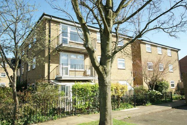Thumbnail Flat for sale in Derwent Drive, Oakham