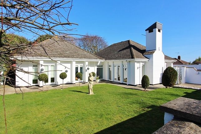 Thumbnail Detached bungalow to rent in Corton Long Lane, Corton