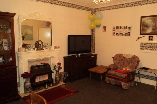 6 bed end terrace house for sale in Huddersfield Road, Dewsbury