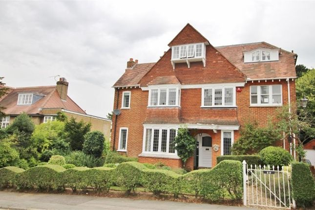 Thumbnail Detached house to rent in The Drive, Sevenoaks