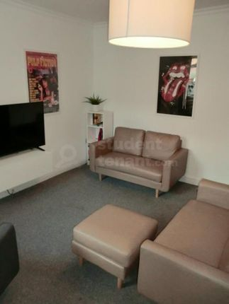 Thumbnail Shared accommodation to rent in Brookside Terrace, Chester