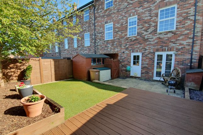 Thumbnail Town house for sale in North Fields, Sturminster Newton