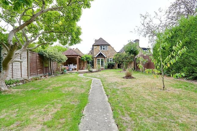 Thumbnail Detached house to rent in Hercies Road, Hillingdon