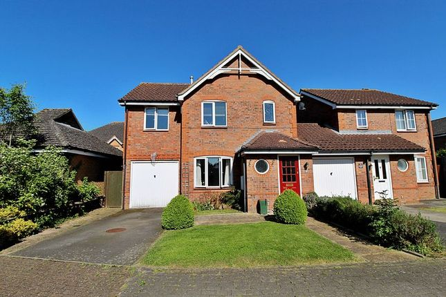 Thumbnail Detached house for sale in Chapel Way, Henlow