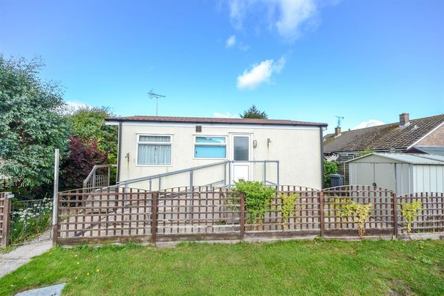 Thumbnail Mobile/park home for sale in Dursley Vale Park, Cam, Gloucestershire.