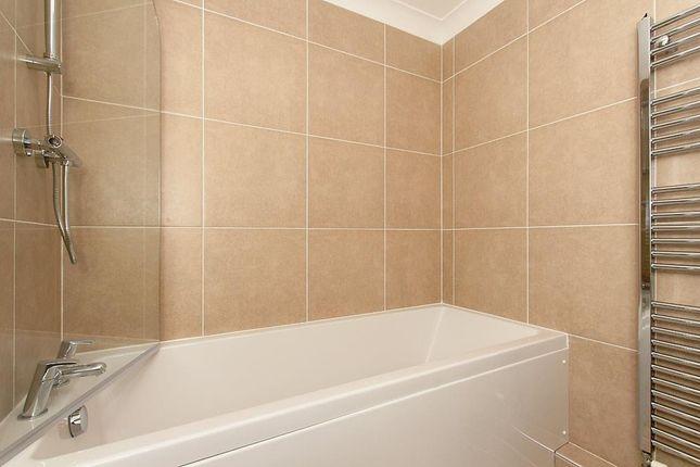 Flat-One-Bath_2 of Connaught Road, Sittingbourne ME10