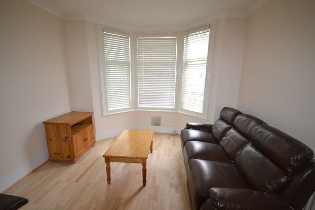Thumbnail Property to rent in Gowan Road, London