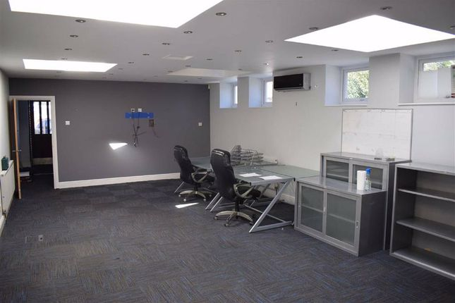 Office to let in Queens Road, Buckhurst Hill, Essex
