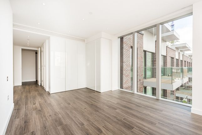Thumbnail Flat to rent in Kingwood Gardens, Goodman's Fields, London