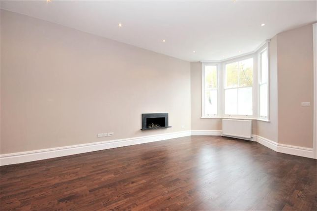 Thumbnail Property to rent in Glebe Place, Chelsea, London