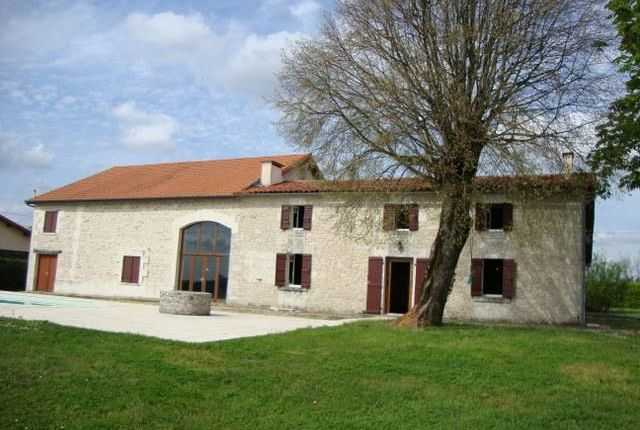 Thumbnail Detached house for sale in La Genetouze, La Genétouze, Montguyon, Jonzac, Charente-Maritime, Poitou-Charentes, France