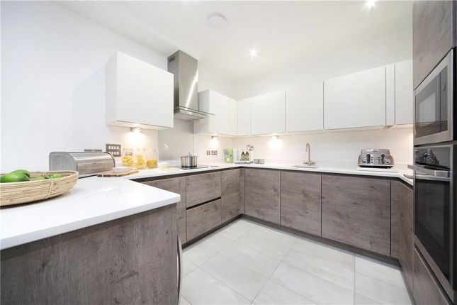 Thumbnail Mews house for sale in Vicarage Crescent, London
