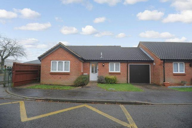 Thumbnail Property for sale in Sheraton Close, Northampton