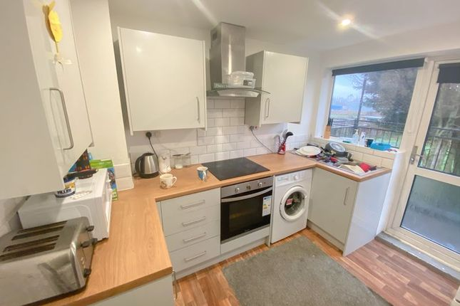 Thumbnail Flat for sale in Hereward Place, Scunthorpe