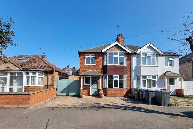 3 bed semi-detached house to rent in Slade Road, Rugby CV21