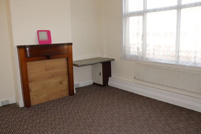 Thumbnail Flat to rent in Kenton Road, Kenton