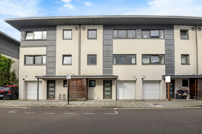 Flat to rent in Stroudley Road, Brighton