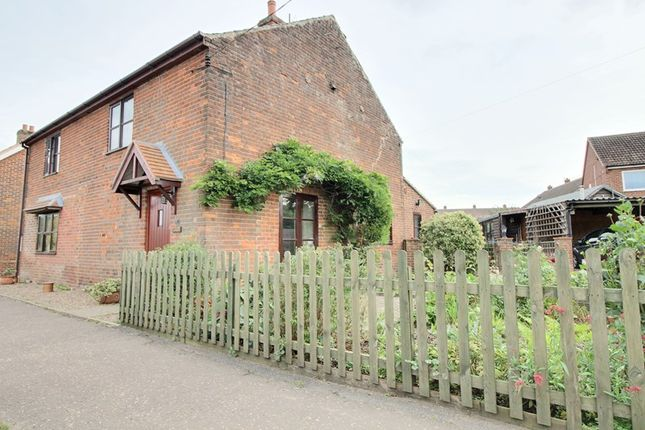 Thumbnail Cottage for sale in Chapelfield, Freethorpe, Norwich