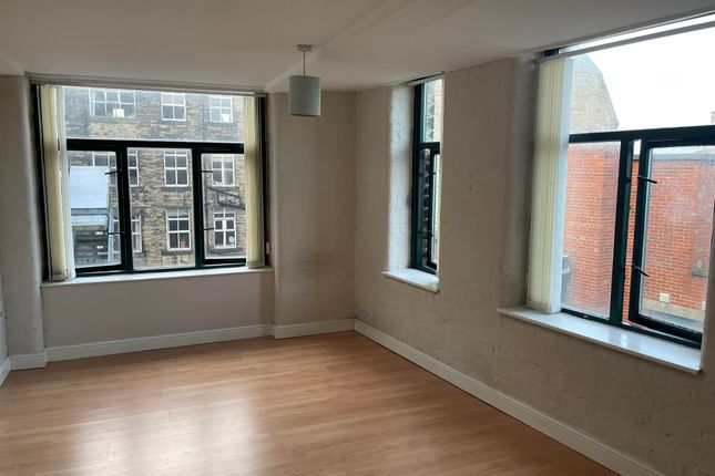Thumbnail Flat to rent in Piccadilly, Bradford