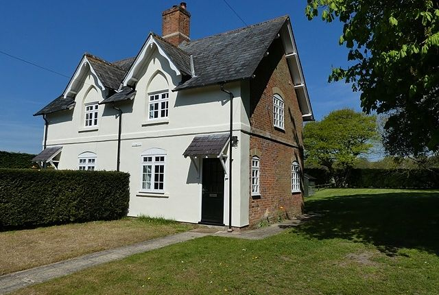 2 bed semi-detached house to rent in Bradley Court, Chieveley, Berkshire RG18