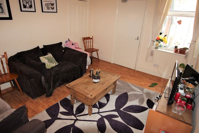 Thumbnail Maisonette to rent in Mundella Terrace, Heaton