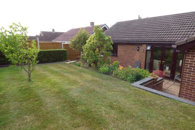 Picture No. 26 of Birchover Way, Allestree, Derby DE22