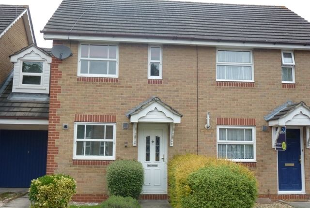Thumbnail Terraced house to rent in Hitherhooks Hill, Binfield, Binfield, Bracknell