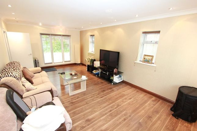 Thumbnail Detached house to rent in Lower Road, Chalfont St. Peter, Gerrards Cross
