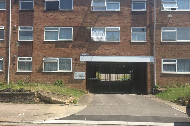 Thumbnail Flat to rent in Greenford Avenue, Southall