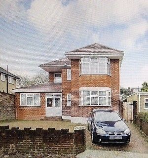 Thumbnail Flat to rent in Merlin Grove, Ilford