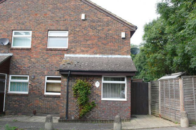 Flat to rent in Hambledon Close, Uxbridge