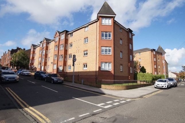 2 bed flat for sale in Golfhill Drive, Dennistoun, Glasgow