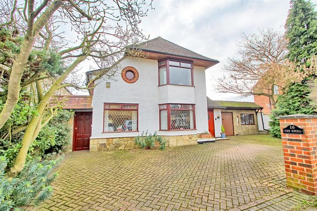 Thumbnail Detached house for sale in Westfield Road, Hoddesdon