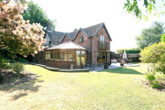 Thumbnail Detached house for sale in Sparrow Hall Cottages, Edlesborough, Bucks