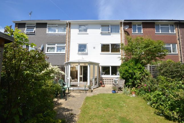 Thumbnail Town house for sale in Angus Close, Chessington, Surrey.