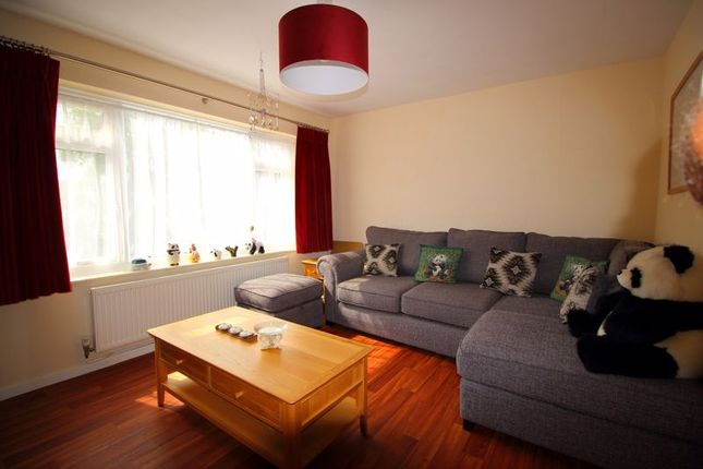 Lounge of Coulsdon Road, Caterham CR3