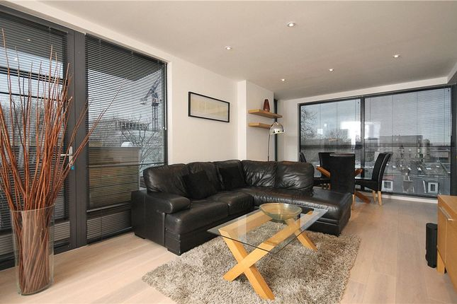 2 bed flat to rent in Noble House, Chiswick High Road, London