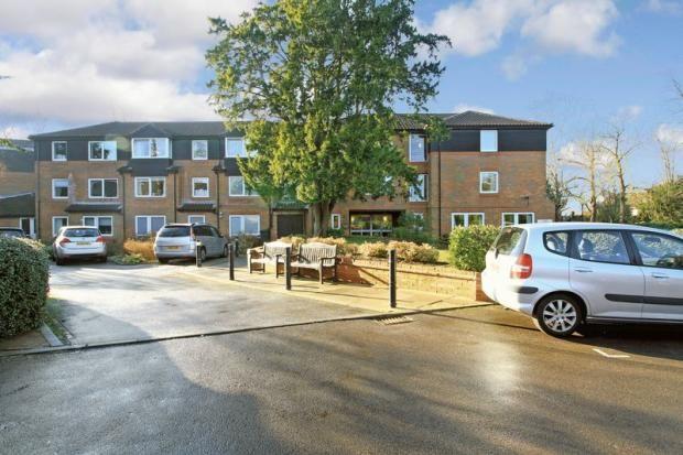 Thumbnail Flat to rent in Homecedars, Bushey