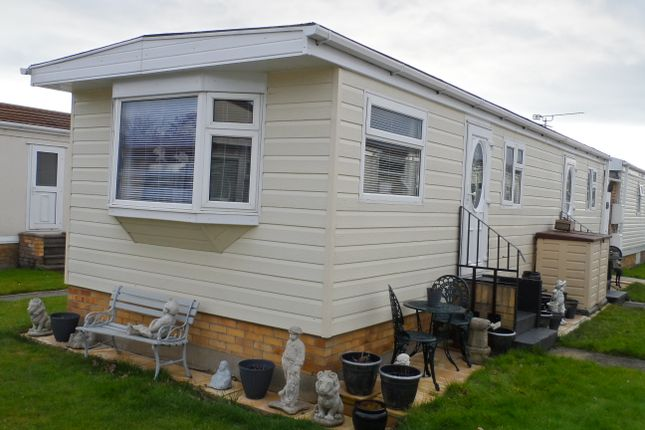 Thumbnail Mobile/park home for sale in St Osyth Road, Little Clacton