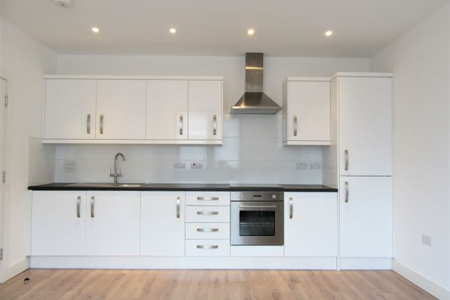 Thumbnail Flat to rent in Hobart Court, The Bourne, Southgate, London