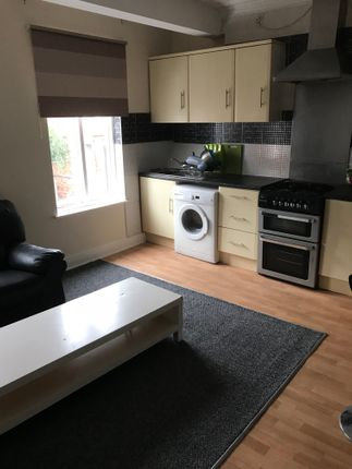 8 bed town house to rent in Market Corner, Leamington Spa CV31