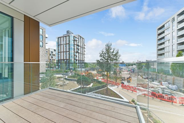 Balcony of 16 Woodberry Down Finsbury Park, London N4